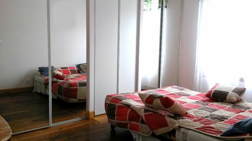 Achat Appartement 3 pièces à Paris 18 - vignette-3