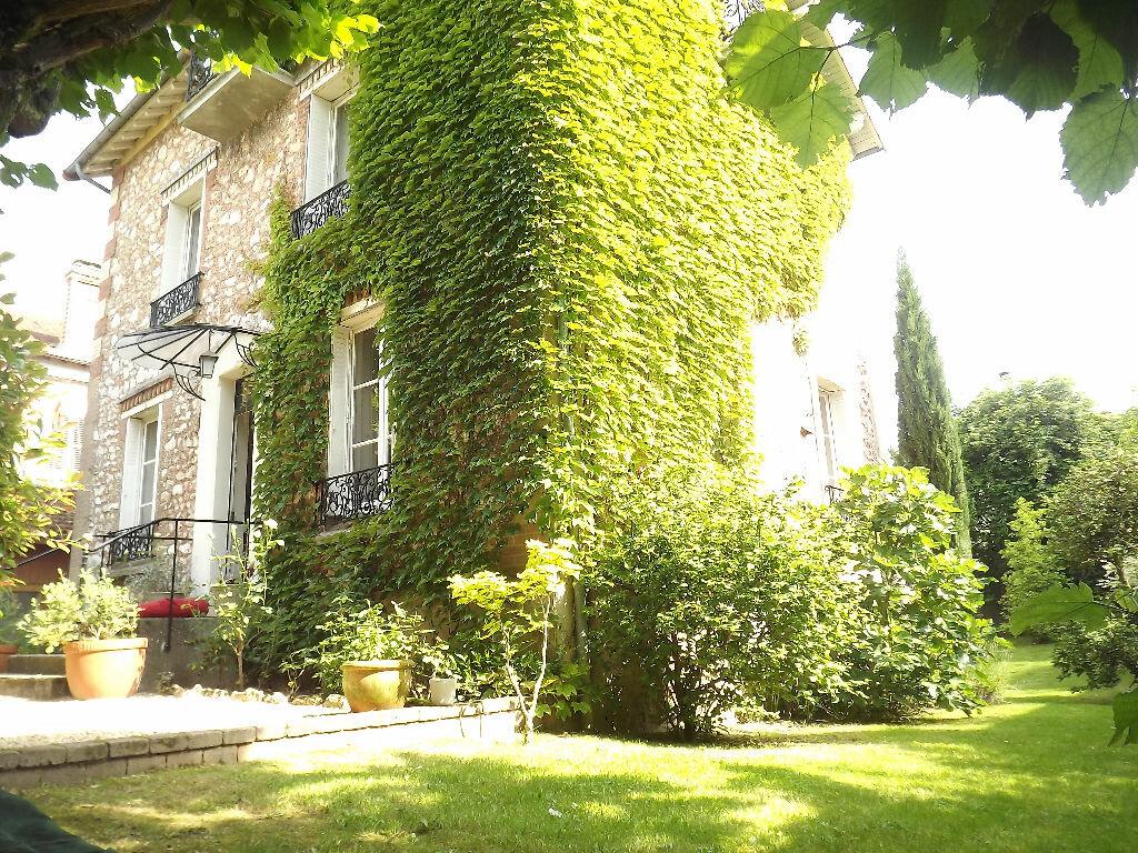 Achat Maison 7 pièces à Ballancourt-sur-Essonne - vignette-1