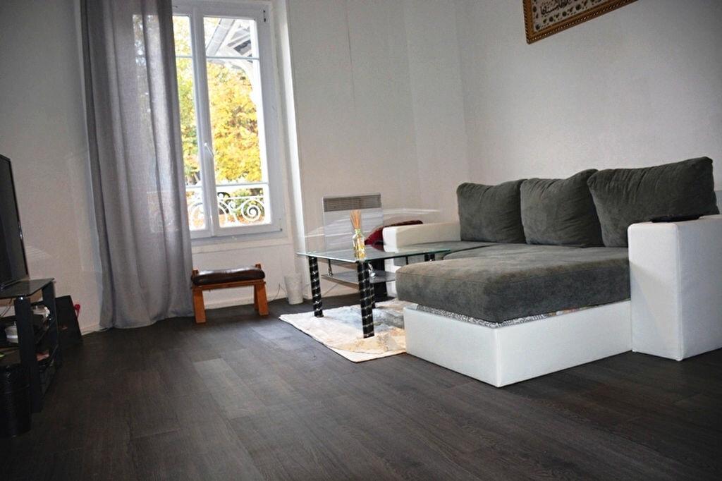 Achat Appartement 1 pièce à Épône - vignette-1