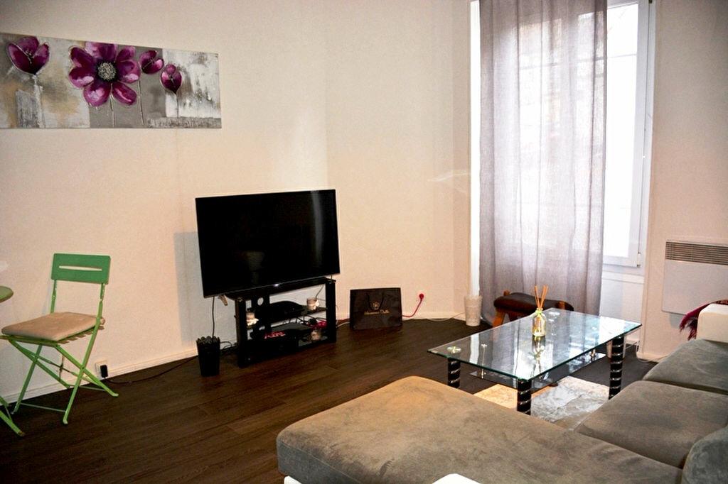 Achat Appartement 1 pièce à Épône - vignette-2