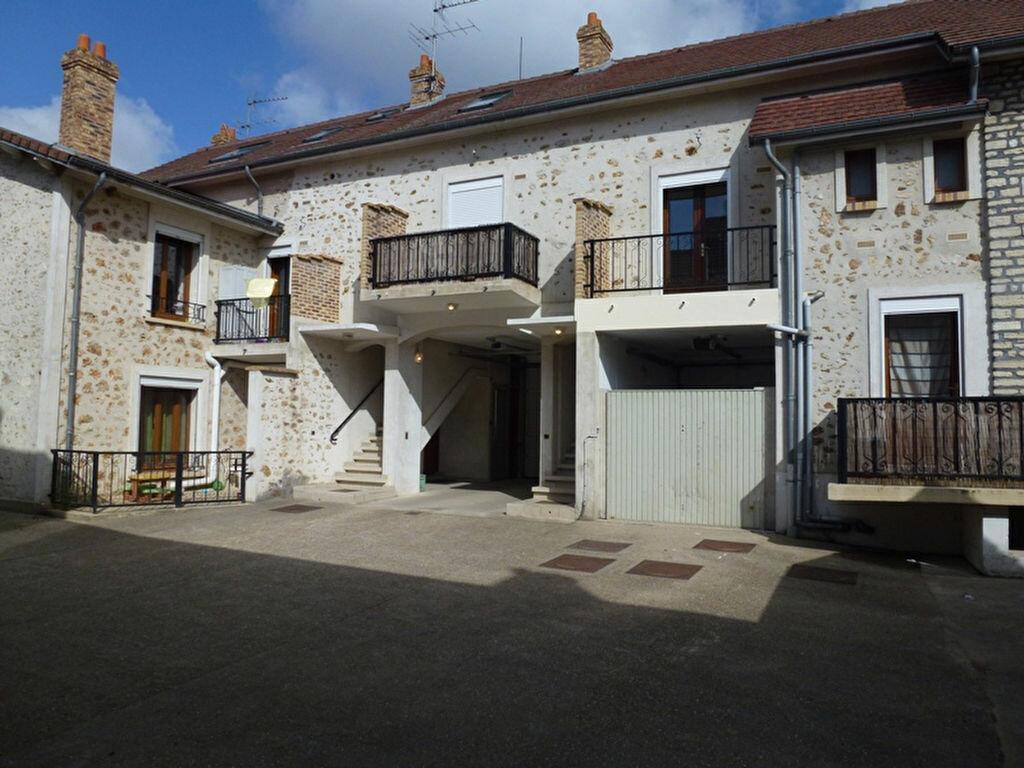 Location Appartement 2 pièces à Mézières-sur-Seine - vignette-1