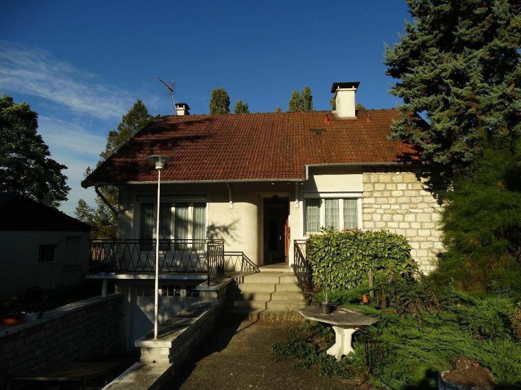 Achat Maison 4 pièces à Mézières-sur-Seine - vignette-2
