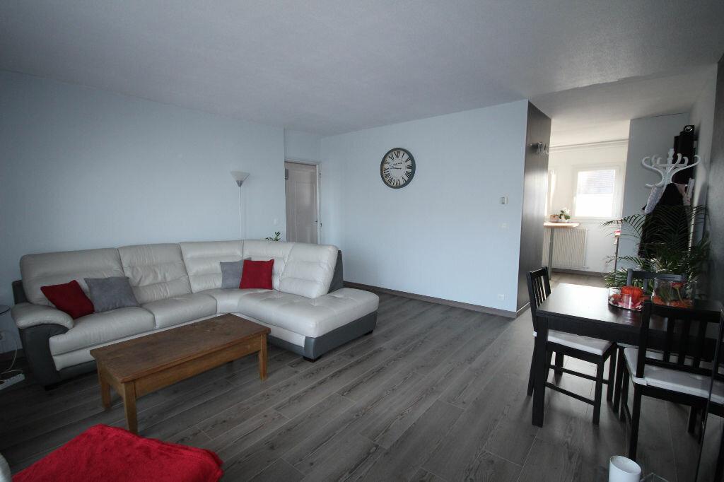 Achat Appartement 3 pièces à Maurepas - vignette-1