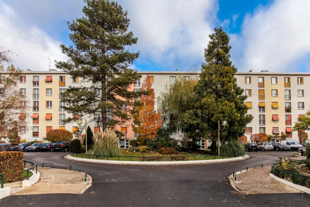 Location Appartement 4 pièces à Neuilly-Plaisance - vignette-1