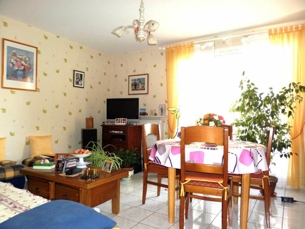 Achat Appartement 3 pièces à Gagny - vignette-2