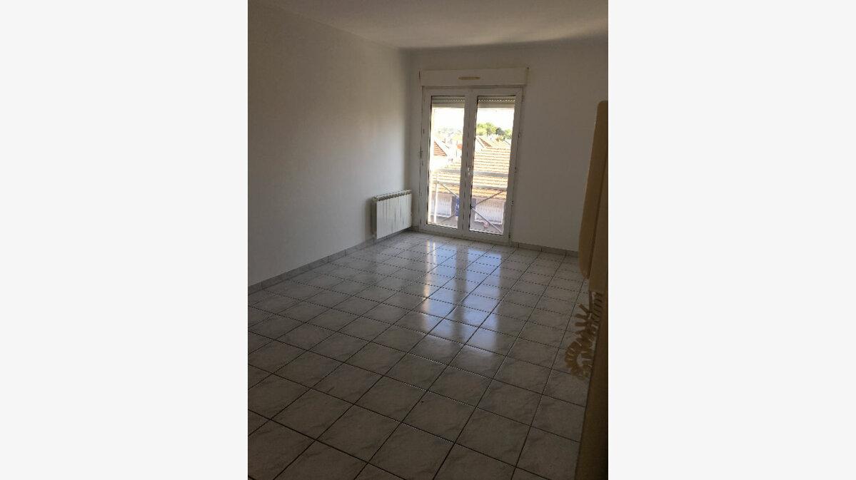 Location Appartement 2 pièces à Tremblay-en-France - vignette-1