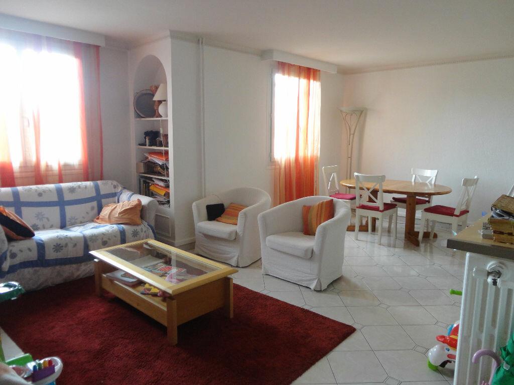 Achat Appartement 4 pièces à Le Bourget - vignette-1
