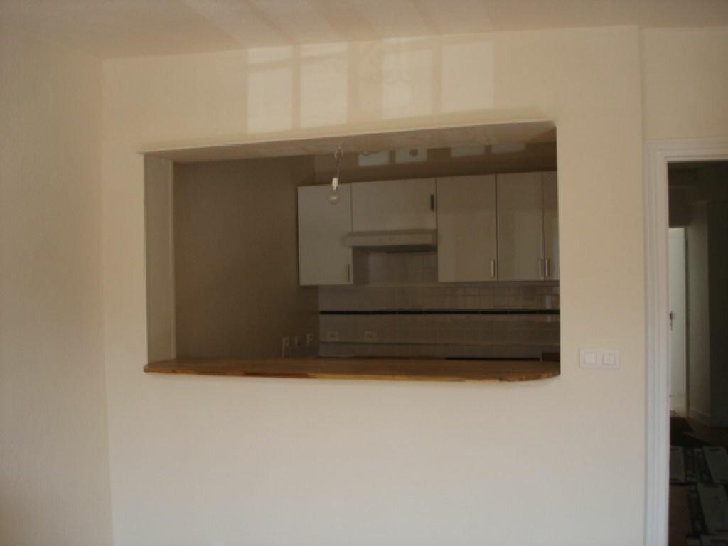 Location Appartement 4 pièces à Milly-la-Forêt - vignette-3