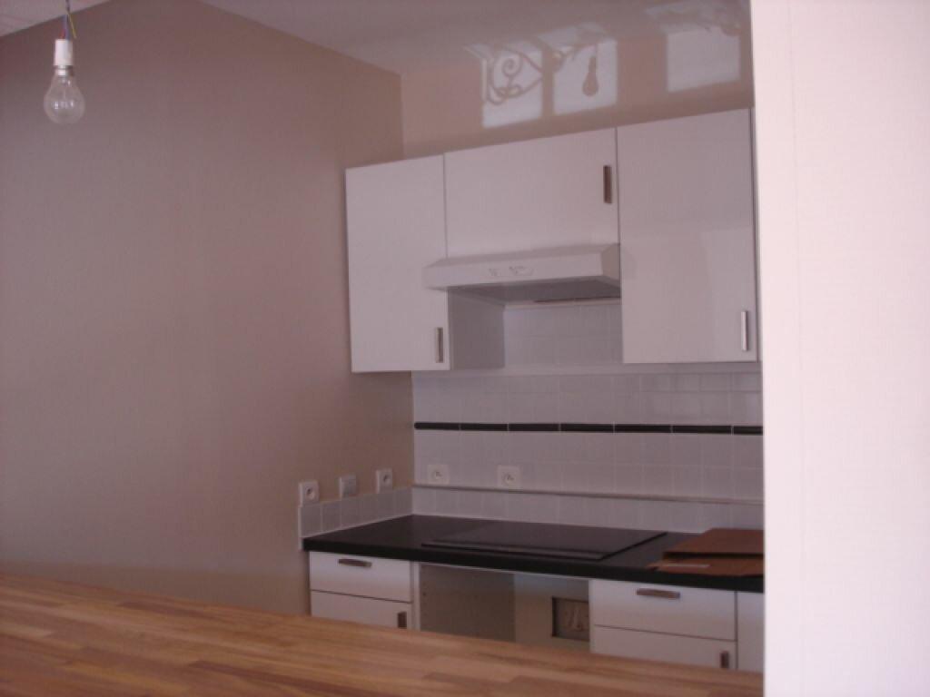 Location Appartement 4 pièces à Milly-la-Forêt - vignette-4