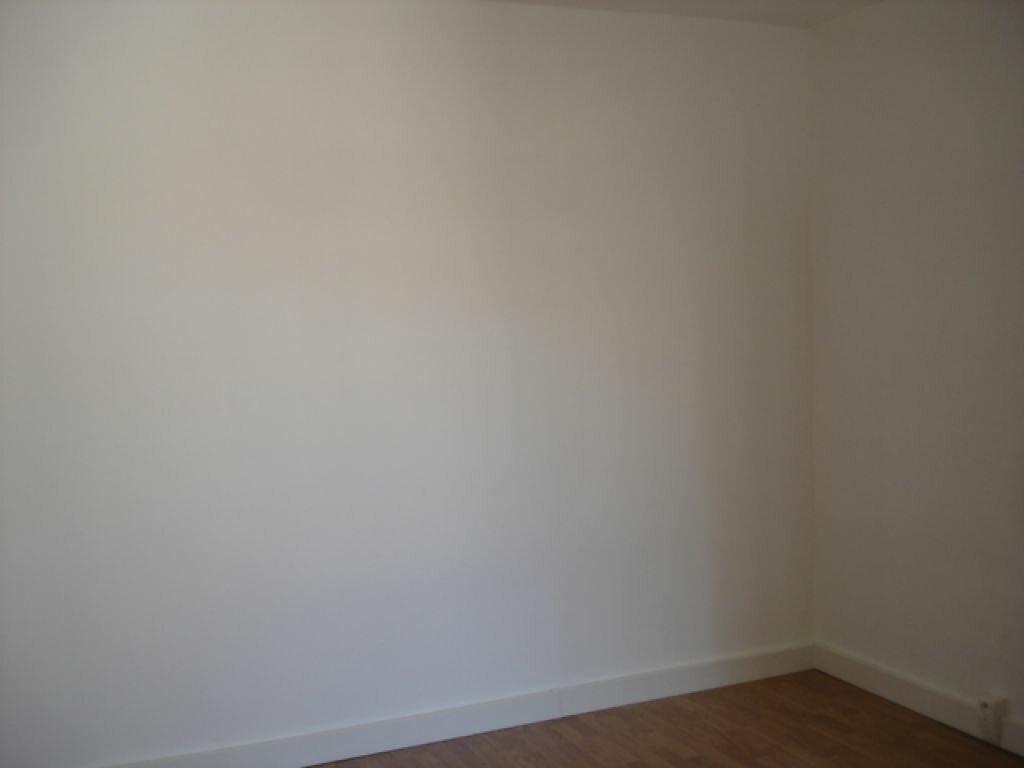 Location Appartement 4 pièces à Milly-la-Forêt - vignette-5