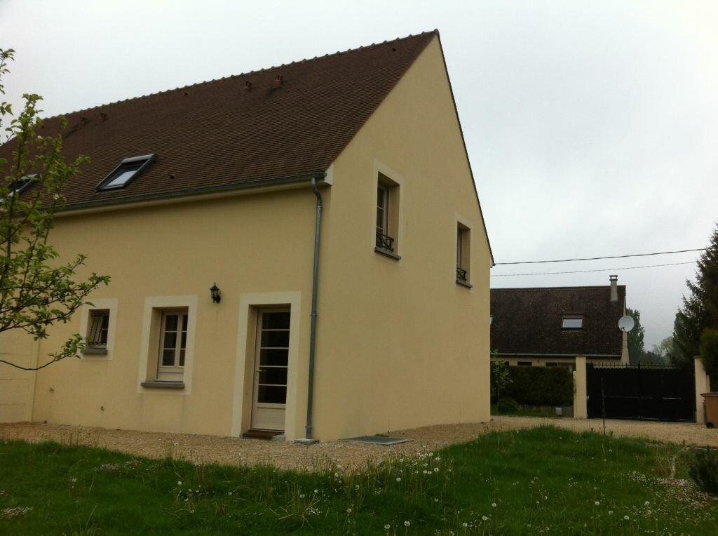 Location Maison 5 pièces à Noisy-sur-École - vignette-3