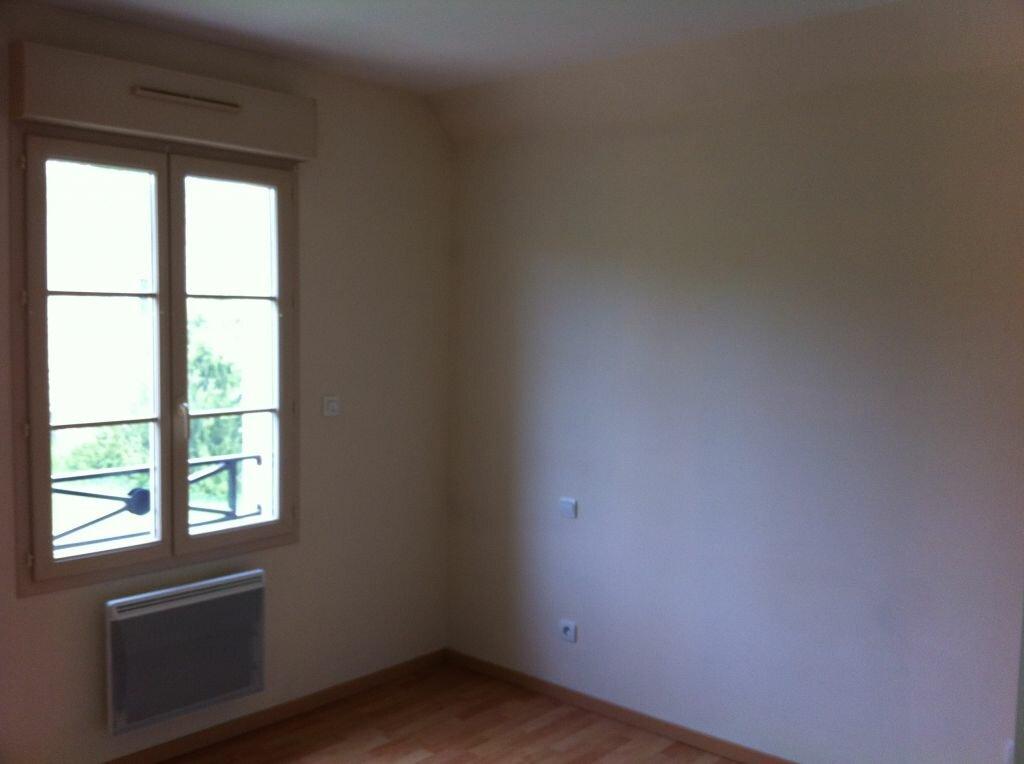 Location Maison 5 pièces à Noisy-sur-École - vignette-6