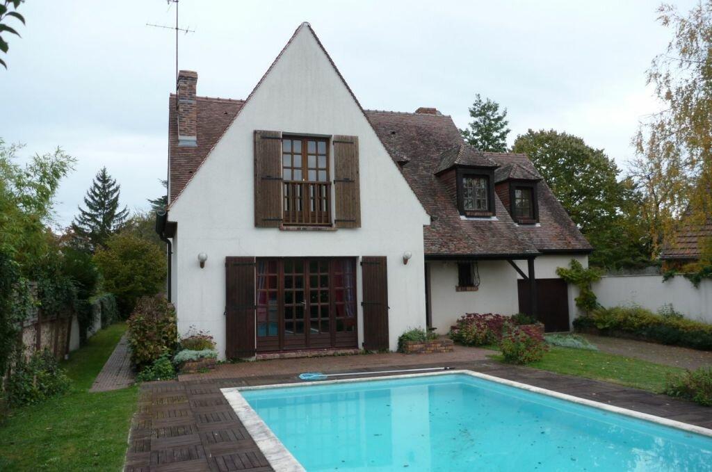 Achat Maison 6 pièces à Saint-Sauveur-sur-École - vignette-1
