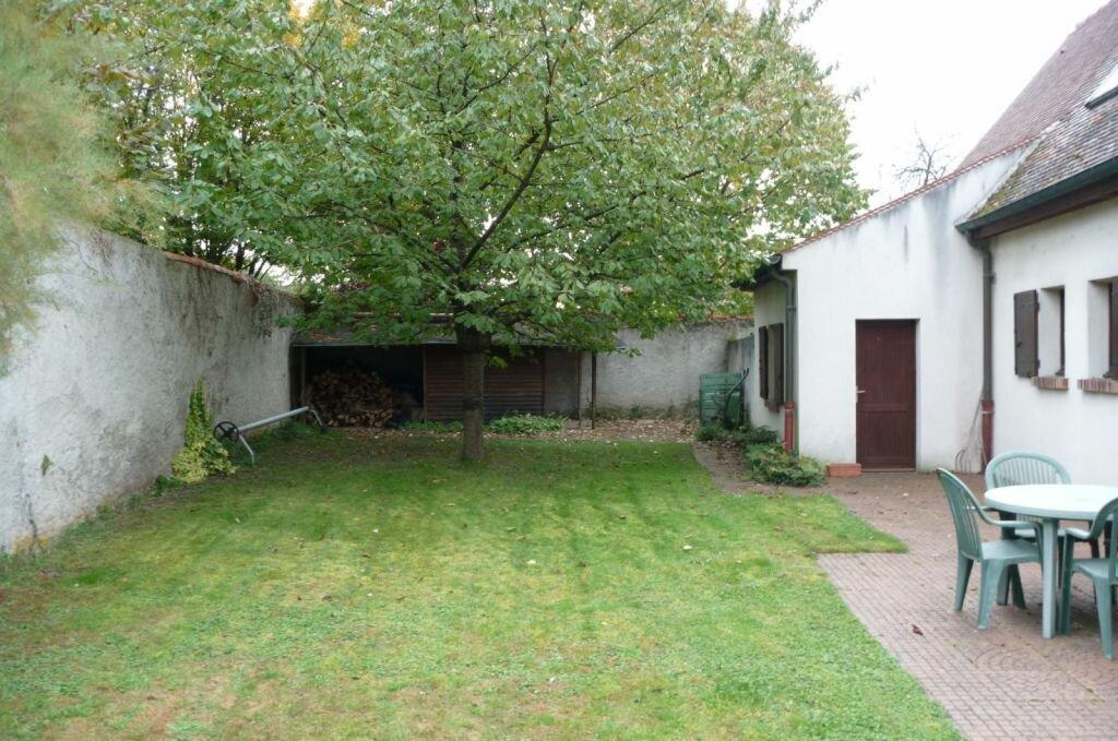 Achat Maison 6 pièces à Saint-Sauveur-sur-École - vignette-4