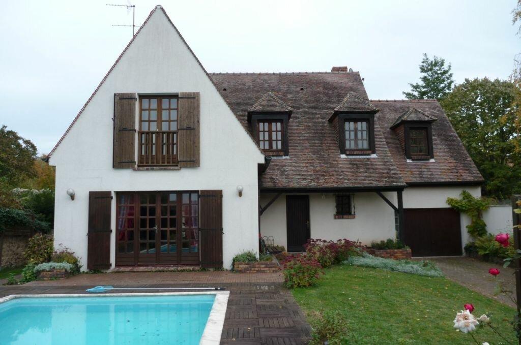 Achat Maison 6 pièces à Saint-Sauveur-sur-École - vignette-5