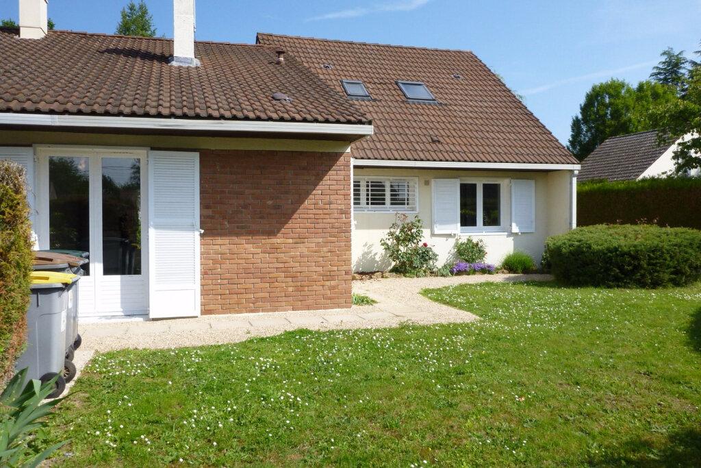 Location Maison 6 pièces à Chailly-en-Bière - vignette-1