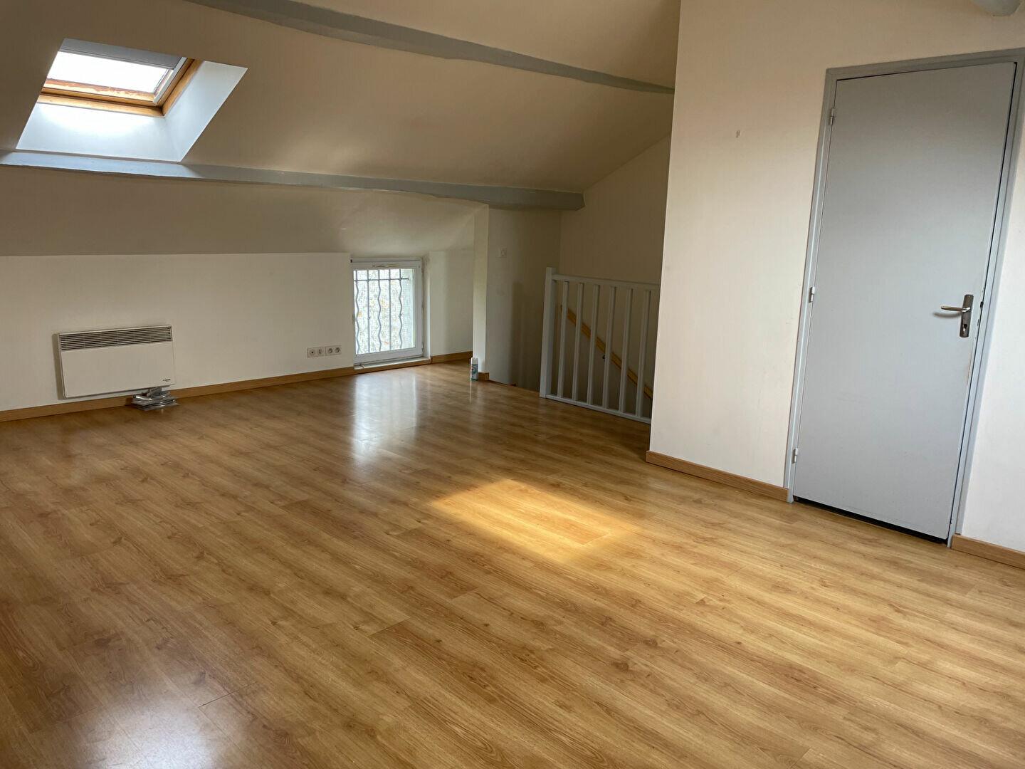 Location Appartement 1 pièce à Chailly-en-Bière - vignette-2