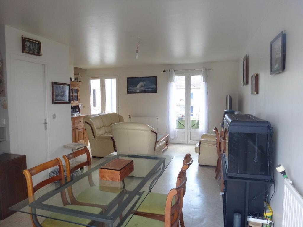 Achat Appartement 3 pièces à Vert-Saint-Denis - vignette-2