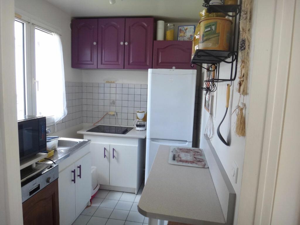 Achat Appartement 3 pièces à Vert-Saint-Denis - vignette-3
