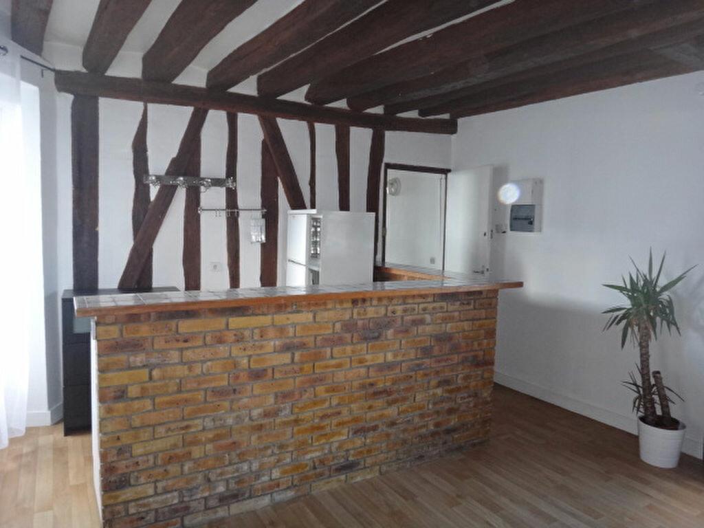 Location Appartement 2 pièces à Chailly-en-Bière - vignette-1