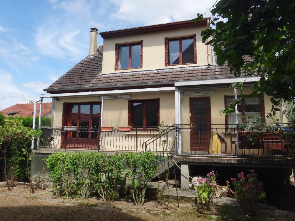 Achat Maison 6 pièces à Saint-Fargeau-Ponthierry - vignette-2