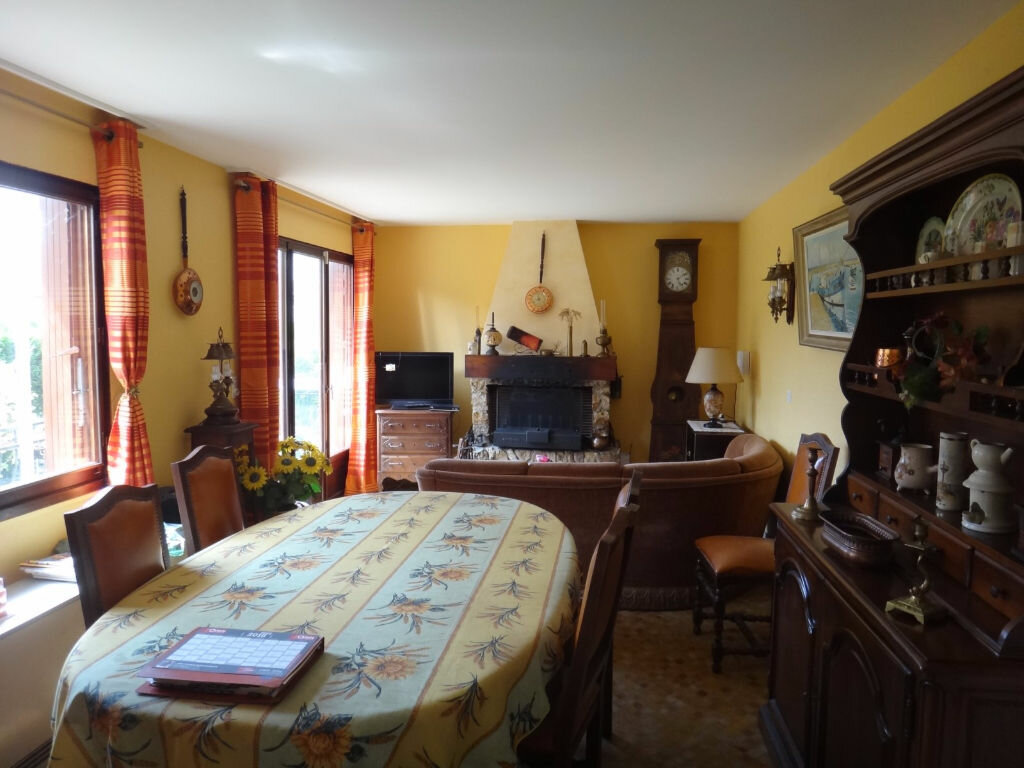 Achat Maison 6 pièces à Saint-Fargeau-Ponthierry - vignette-4