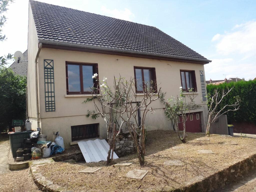 Achat Maison 6 pièces à Saint-Fargeau-Ponthierry - vignette-6