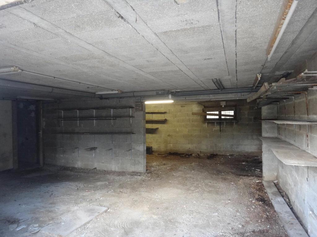 Achat Maison 6 pièces à Saint-Fargeau-Ponthierry - vignette-9