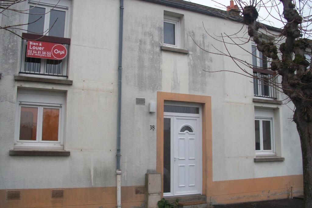 Location Maison 5 pièces à Mer - vignette-1