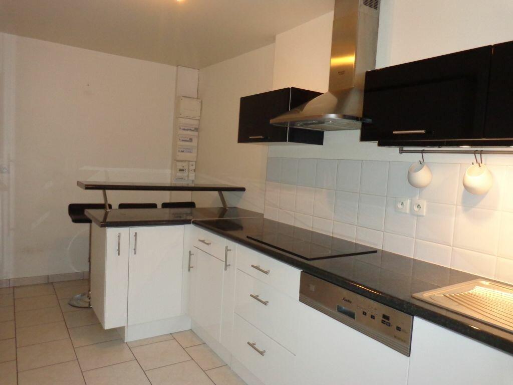 Achat Appartement 4 pièces à Bernay - vignette-4