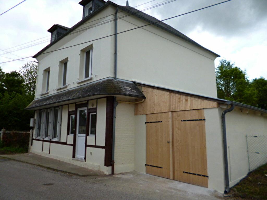 Location Maison 5 pièces à La Chapelle-Hareng - vignette-1