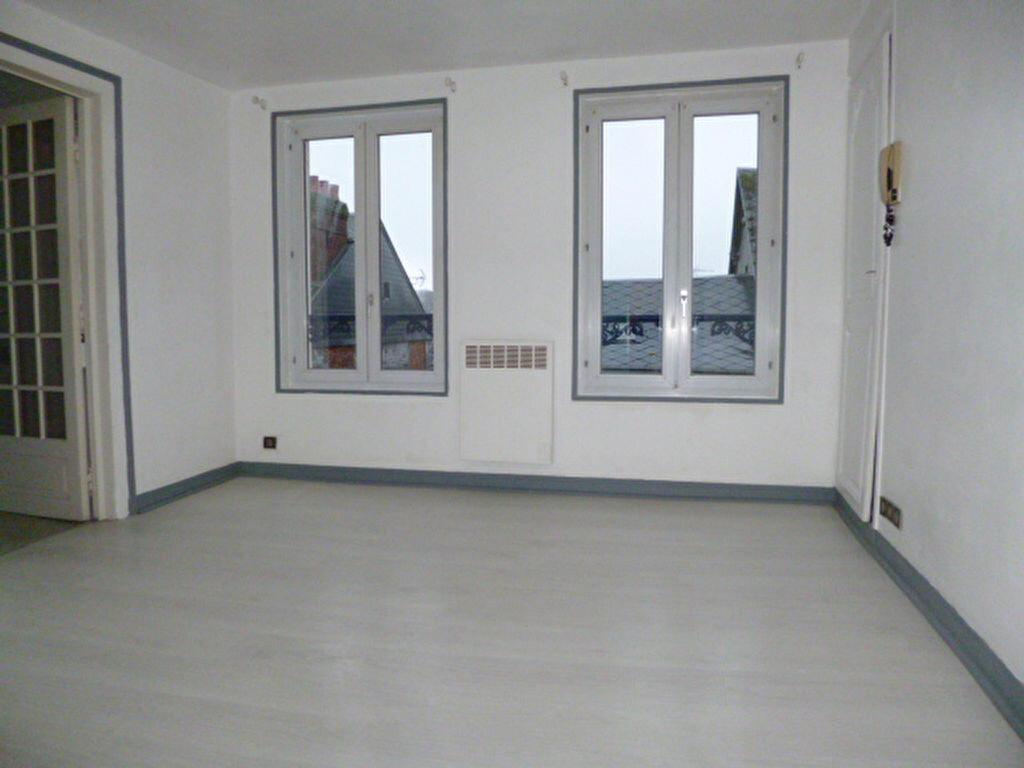 Location Appartement 3 pièces à Bernay - vignette-1