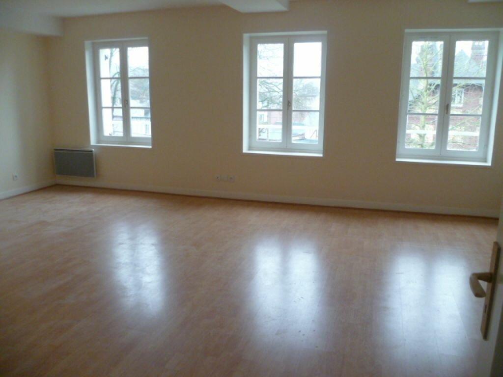 Location Appartement 4 pièces à Bernay - vignette-1