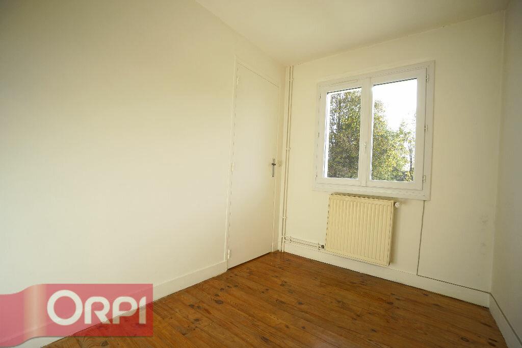 Location Maison 5 pièces à La Chapelle-Hareng - vignette-10