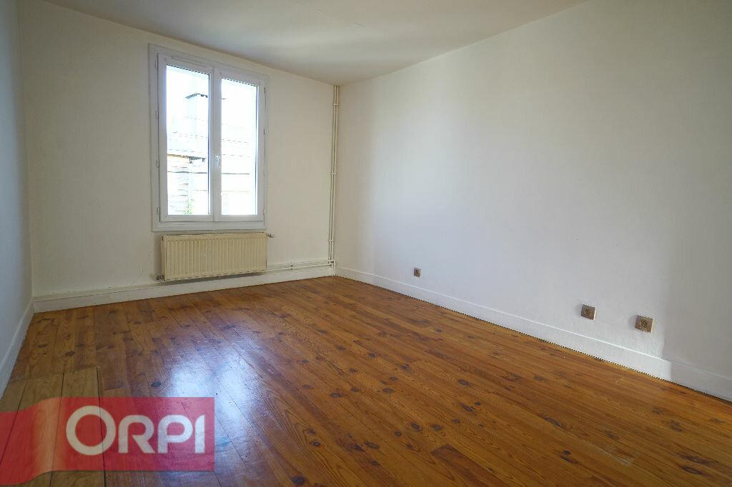Location Maison 5 pièces à La Chapelle-Hareng - vignette-11