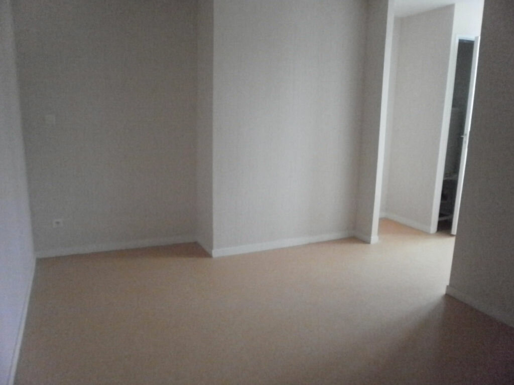 Location Appartement 1 pièce à Pont-Saint-Pierre - vignette-1