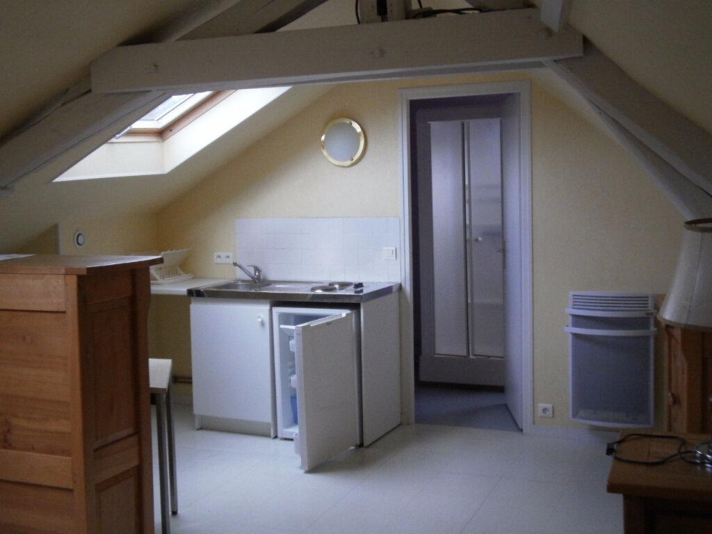 Location Appartement 1 pièce à Saint-Pierre - vignette-1