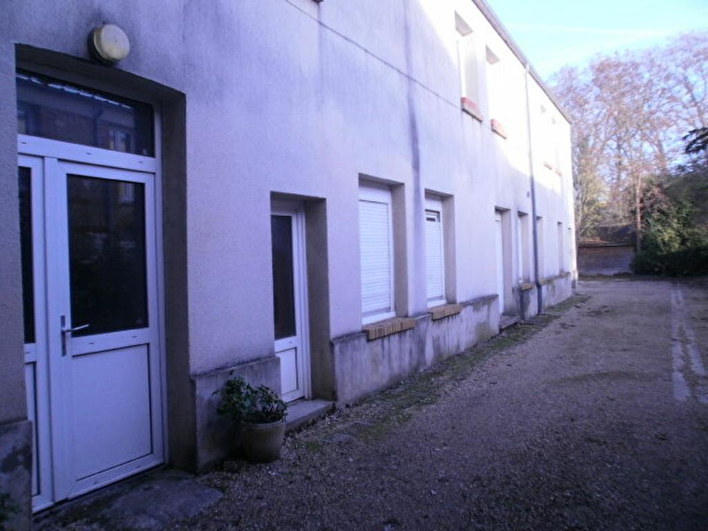 Location Appartement 1 pièce à Louviers - vignette-1