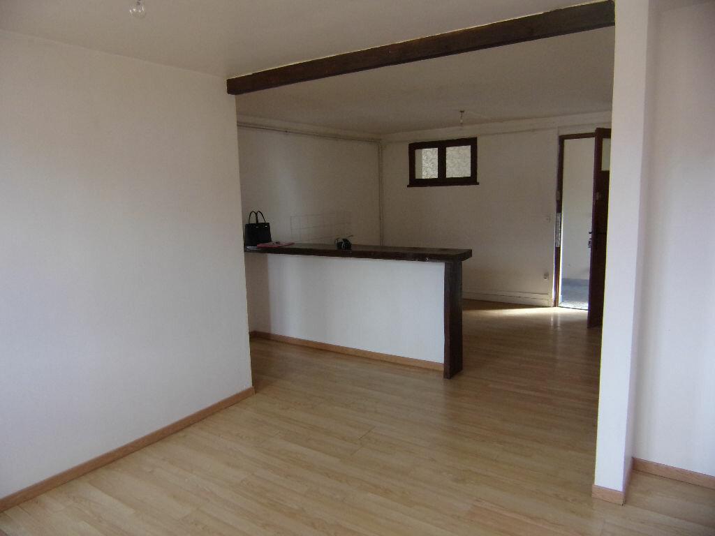 Location Appartement 3 pièces à Douville-sur-Andelle - vignette-1