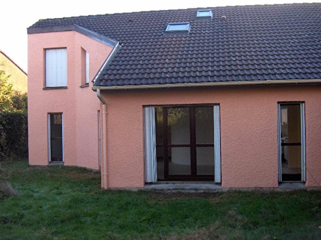 Location Maison 4 pièces à Val-de-Reuil - vignette-1