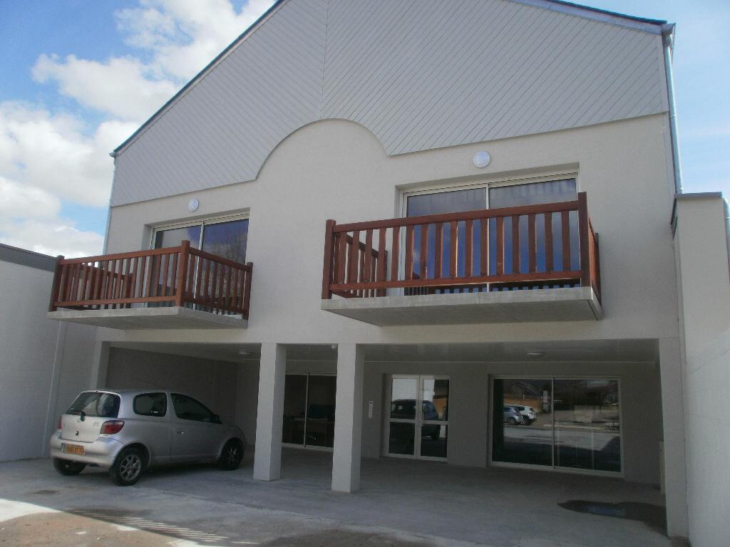 Location Appartement 4 pièces à Le Vaudreuil - vignette-1
