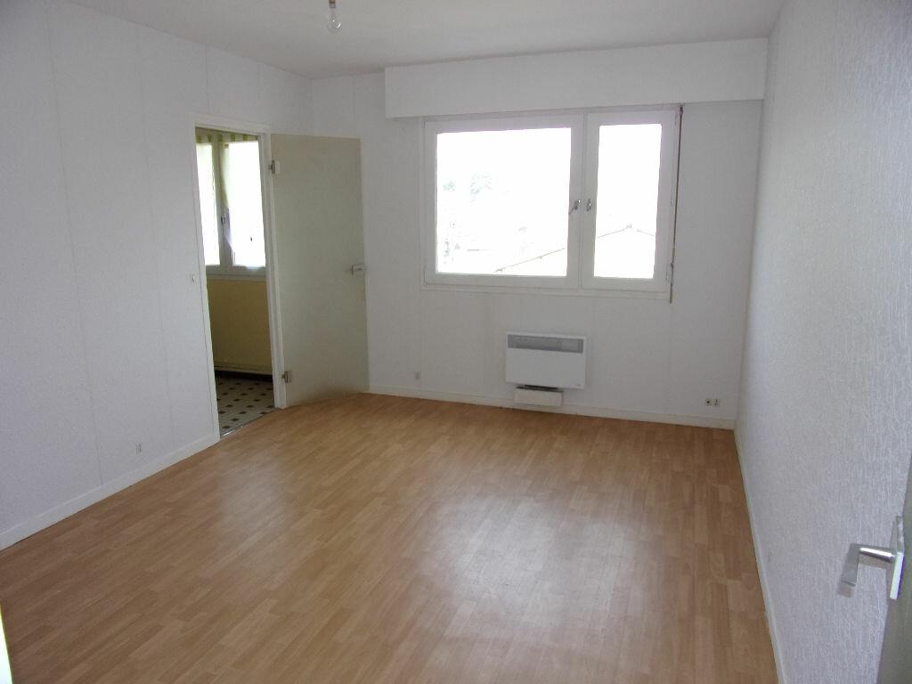 Achat Appartement 1 pièce à Louviers - vignette-1