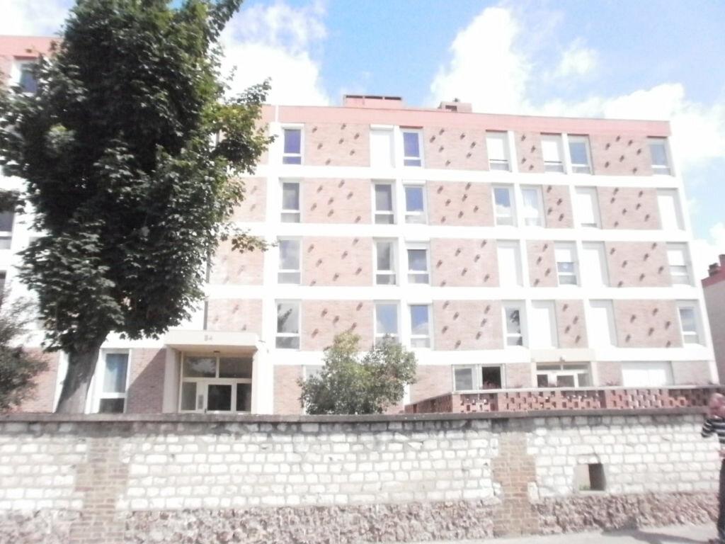 Location Appartement 3 pièces à Saint-Pierre-lès-Elbeuf - vignette-1