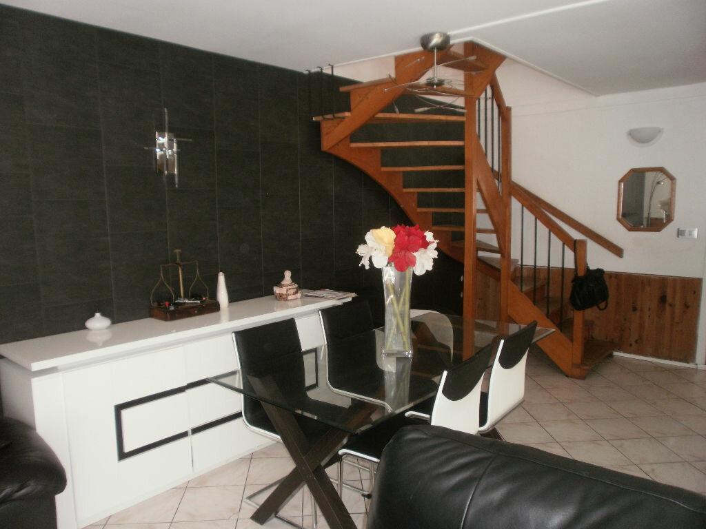 Achat Maison 6 pièces à Val-de-Reuil - vignette-2