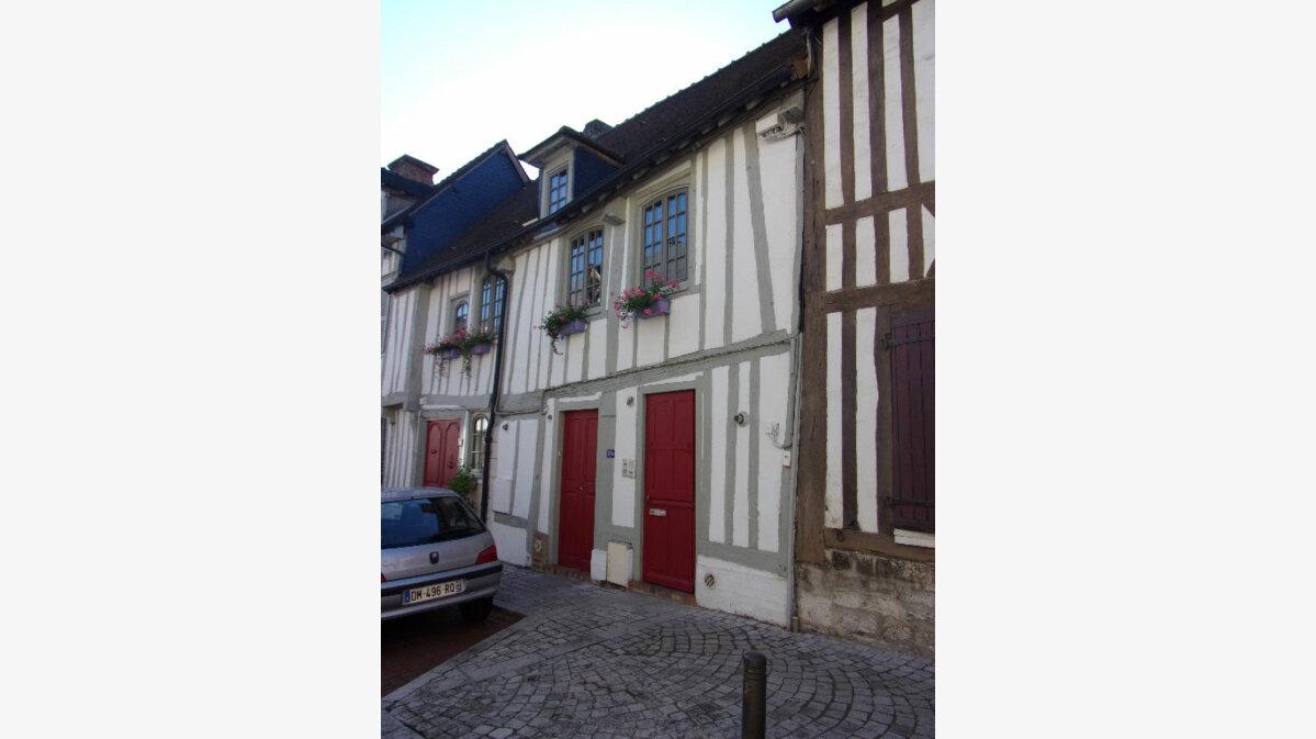 Location Appartement 2 pièces à Pont-de-l'Arche - vignette-1
