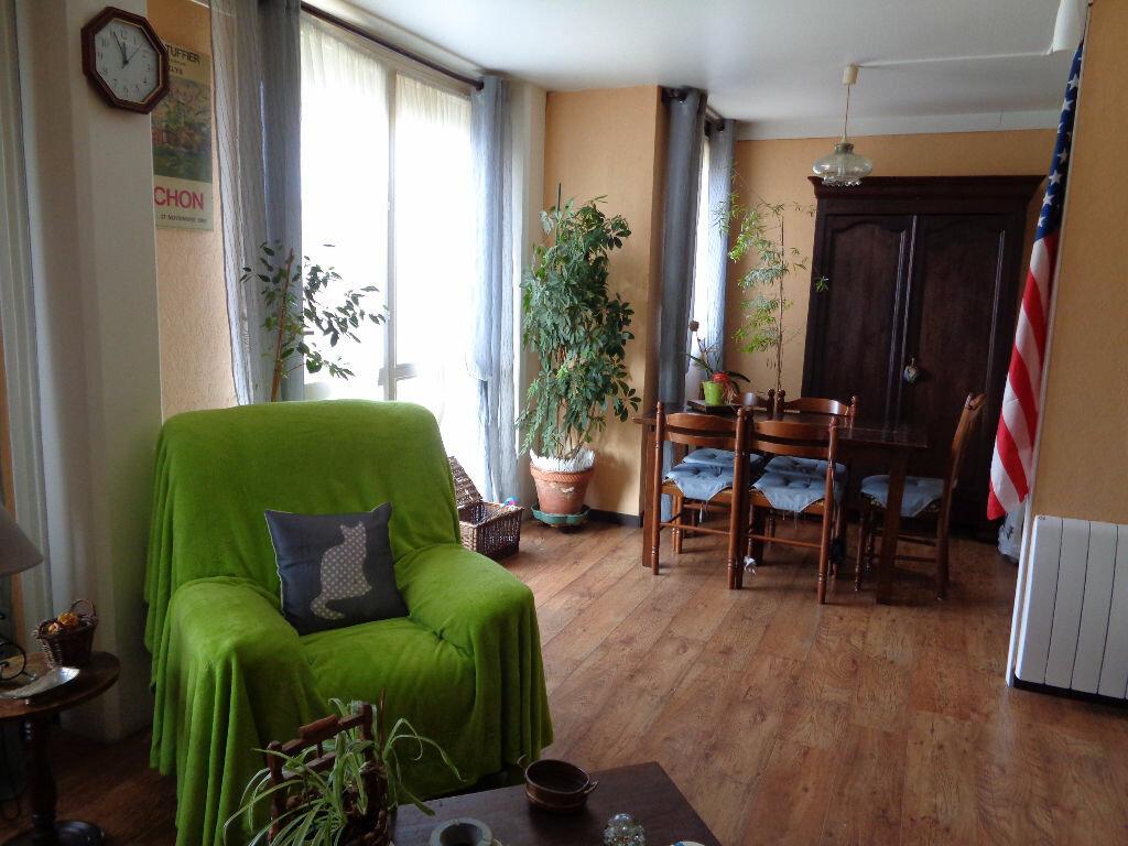 Achat Appartement 3 pièces à Val-de-Reuil - vignette-3