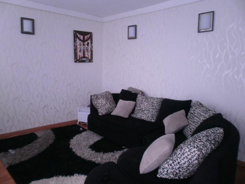 Location Appartement 4 pièces à Val-de-Reuil - vignette-1
