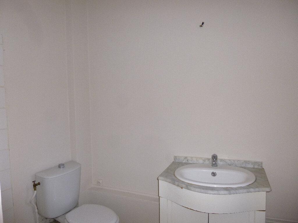 Location Appartement 2 pièces à Pont-Audemer - vignette-3