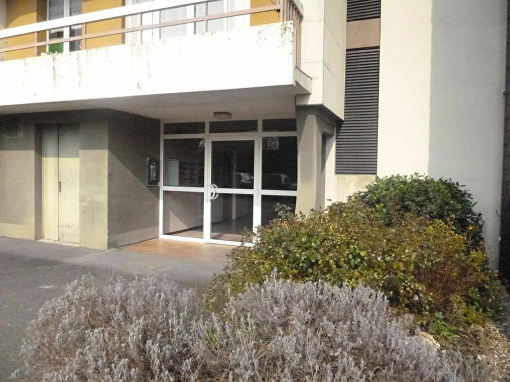 Achat Appartement 3 pièces à Pont-Audemer - vignette-1