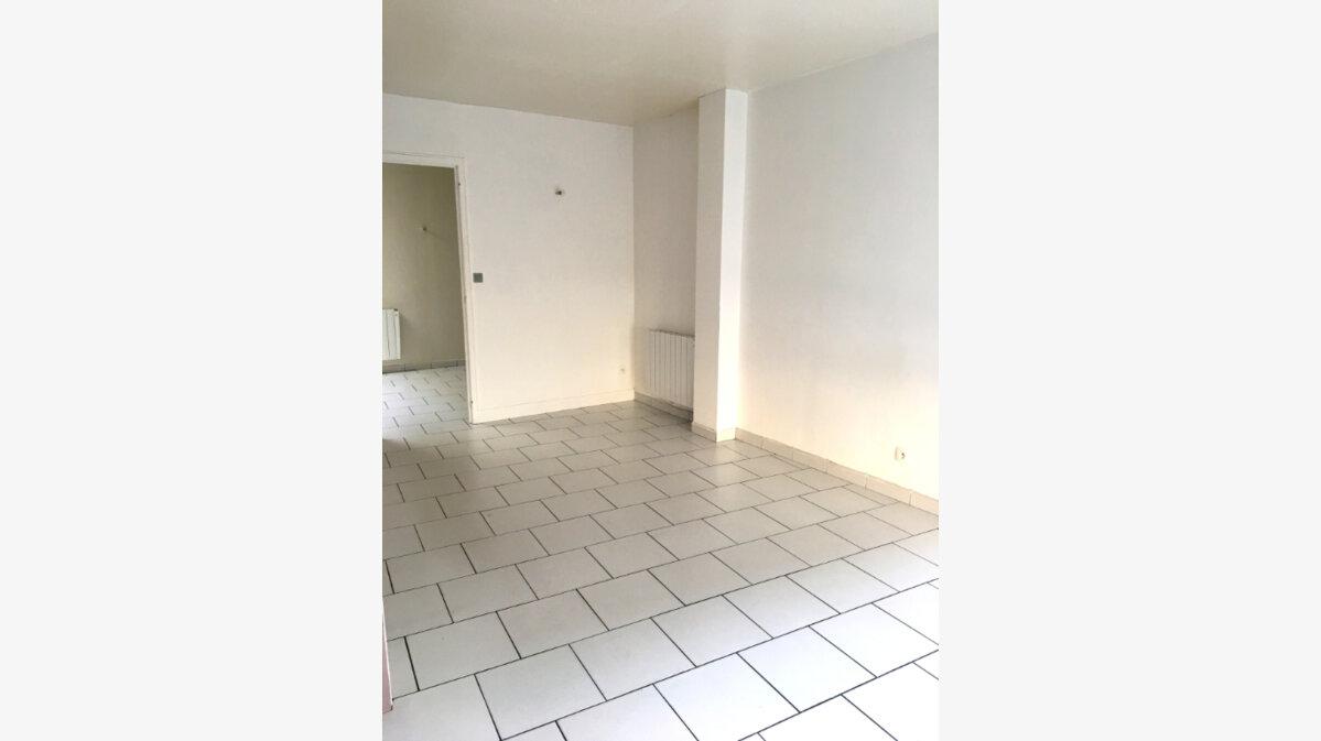 Location Maison 3 pièces à Pont-Audemer - vignette-1